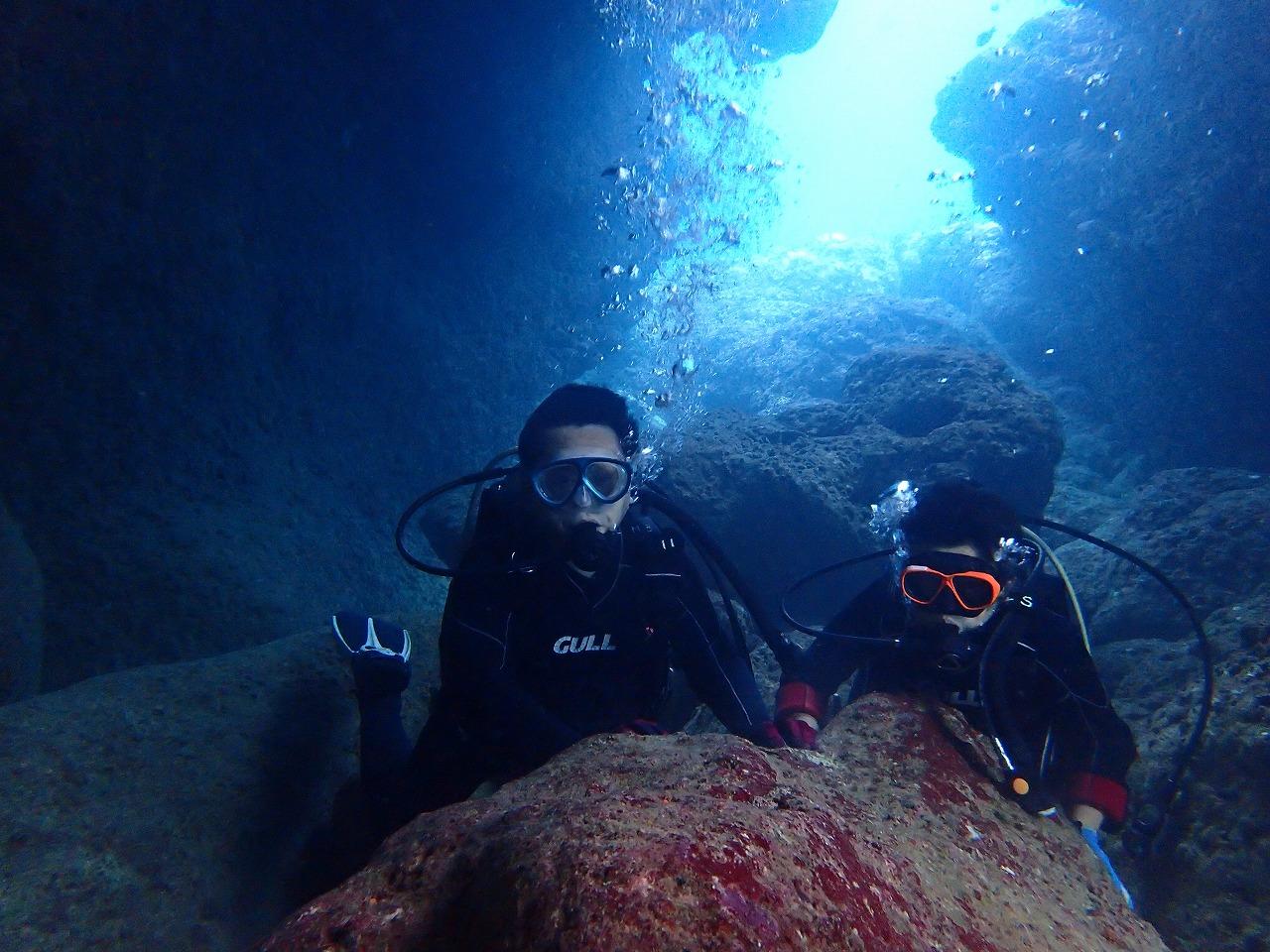 青の洞窟でボート体験ダイビング